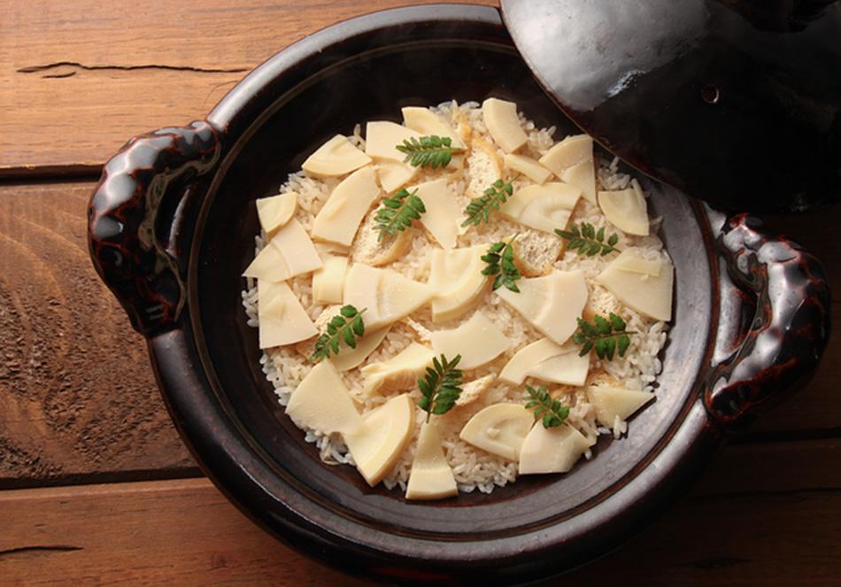 家庭で簡単 旬のたけのこを存分に楽しむ<br>アク抜き方法とレシピの写真
