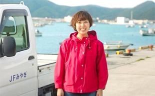 女性漁師の写真