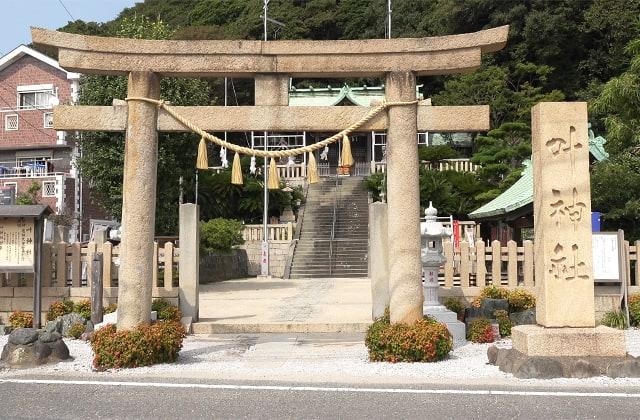 叶神社の鳥居の写真