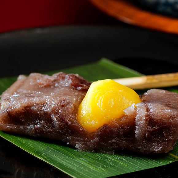 小豆の餅菓子「志ぐれ」