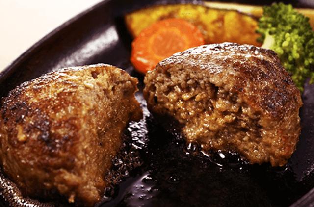 写真:格之進・肉屋の塩麹ソースメンチカツ丼