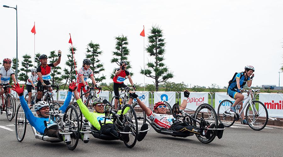 写真:パラサイクリングの様子