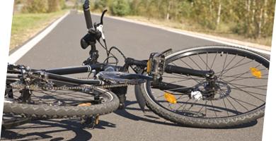 19歳の女性が自転車で走行中、57歳の女性に衝突してしまった。