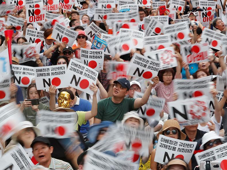 政府、韓国のホワイト国除外決定
