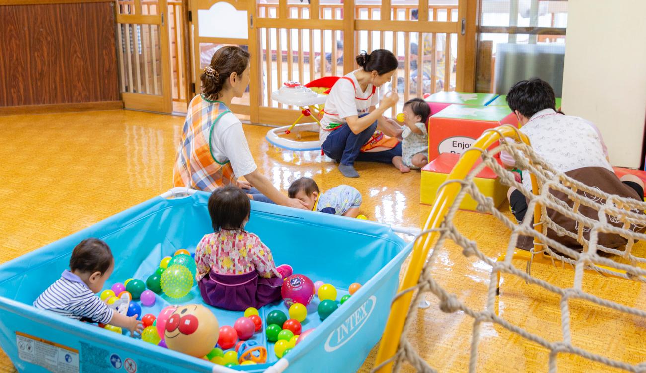 乳児院『カリタスの園つぼみの寮』の共同生活写真