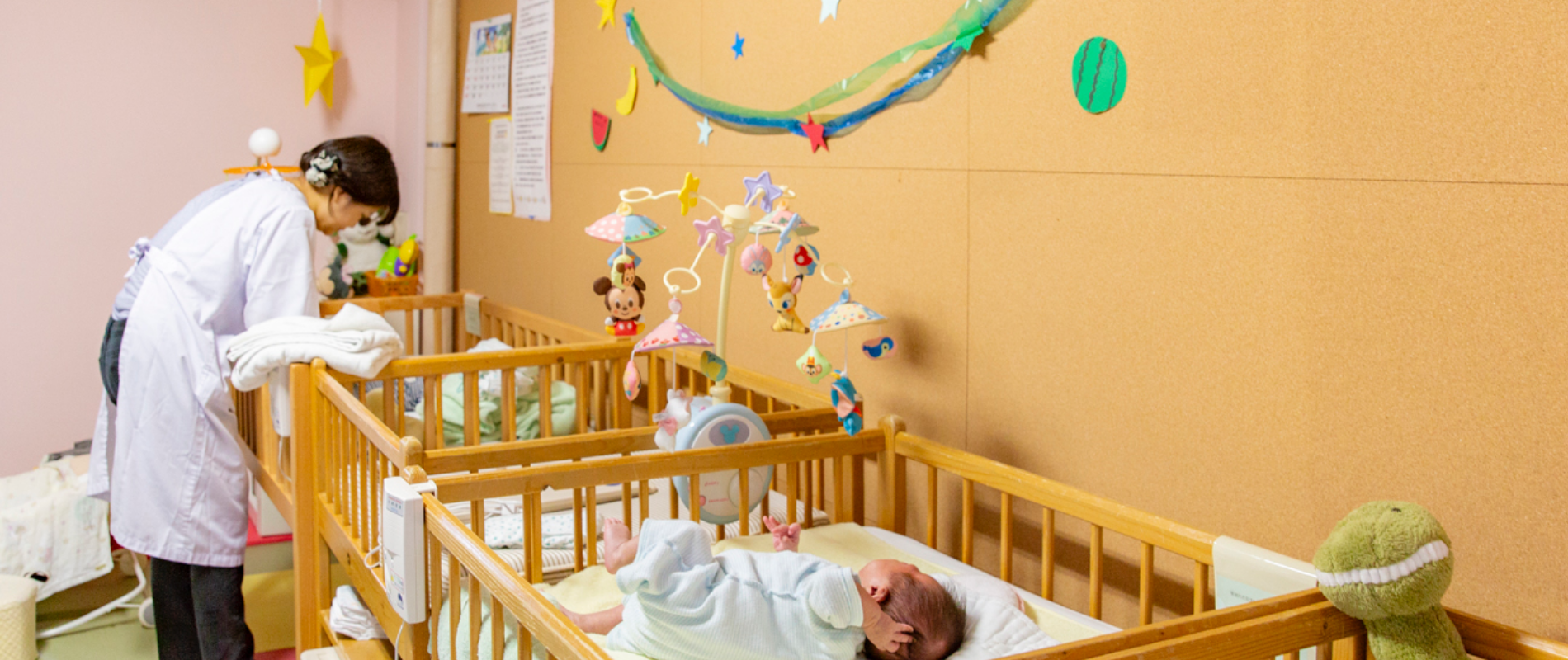 乳児院『カリタスの園つぼみの寮』の新生児室