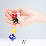 ギャンブルについて、 素朴な疑問なので 暇つぶし程度に 気軽に答えてくださるとありがたいです。 宝くじは、 競馬やパチンコと同様に 日本の法律で 「公営ギャンブル」 と定められているようですが、 「ギャンブルは一切しない」 と言っている方は宝くじも買わないという事でしょうか? 宝くじはギャンブルの中でもハードルが低い気がします。 「毎年年末ジャンボを10枚買う」 でも、ギャンブル嫌...