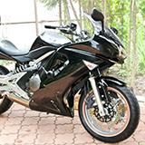 トリシティの側車付軽二輪の登録について教えて下さい。 沖縄での登録になります。   沖縄でトリシティの側車付軽二輪を行ってくれるバイク屋さんが見つからないので自身で行おうと思ってい ます。 (もしバ...