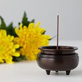 仏壇用のお線香は香りを楽しむために使用していいものですか?