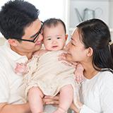 エルゴベビーの抱っこ紐で、オムニ360は付属品なしでも新生児から使用できますか?