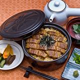 各都道府県にはそれぞれ名物グルメ料理があると思いますが、地元の人ほどあまり食べないものですか?