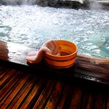 炭酸泉(温泉)について質問です。炭酸泉に入浴された方にお伺いしたいのですが、炭酸泉はどんな肌触りがあり、どの様な効果が実感できましたか? また首都圏から2時間程度で行ける炭酸泉をご存知でしたら教えて下さい。