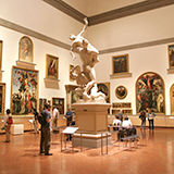 MIHO MUSEUM(ミホミュージアム)。ネットで知り訪れたのですが・・・。 よくよく調べると、ここは神慈秀明会という宗教団体が所有する美術館ということを知りました。 鑑賞券はネットでの予約制でクレジットカー...