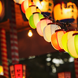 北海道勝毎花火大会について 北海道にいながら行ったことが無い花火大会。 体の負担を考えると一泊二日で行きたいのですが近くに良いホテルありますか? いつから予約した方が良いですか?