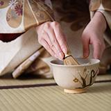 和食は2013年に世界無形文化遺産として登録されたのに、茶道はされていないのでしょうか 和食と茶道に決定的な違いでもあるのですか?