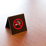たばこを一日につき平均2本吸うことは長期的に見てどれくらい健康に害を与えますか? たばこ一本につきどれくらい寿命が減るんでしたっけ??