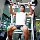 広背筋が大きくなったら服の上からでも分かりますかね? でもかなり肥大しないと分からないし、広背筋って鍛えても大きくなりにくい筋肉なのでトレーニングするモチベーションが上がりません…。