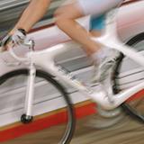 競輪選手がワイセツ事件で逮捕されましたが・・・ http://sankei.jp.msn.com/affairs/crime/071230/crm0712301007001-n1.htm  競馬の騎手や競艇の選手のワイセツ事件は過去に起きてないのですか?