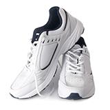 靴の防水スプレーについて質問です 吸い込むと有害との事なので 屋外でスプレーをして、 すぐに部屋に入れて乾燥させて いるのですが乾燥も外でさせた方が いいでしょうか?