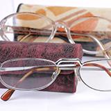 ブルーライトカット眼鏡は逆効果? 効果の「エビデンス乏しい」なる記事を見ましたがこれはスマホフィルムのブルーライトカットも同類と見て間違い無いでしょうか。