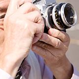 フィルムカメラのPentax pc35 af-m dateを買いましたが、下にあるiosはどんな時に/どのタイミングで変えるのですか? フィルムのiosと同じにすればいいのでしょうか?教えていただけると嬉しいです。