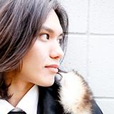 嵐のデビュー曲ARASHIのカップリングの「明日に向かって」は、 昔のジャニーズJr(すばる君や滝沢君など) の声で収録されてるCDもありますか?