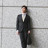 スーツのズボンの裾上げは購入した店以外(メーカーも異なる)でもスーツ店なら対応してくれるものなんでしょうか?