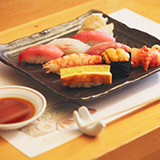淡路島の魚でおいしいものや魚料理がおいしい店があれば教えてください。 北部と南部でとれる魚の種類に違いはあるのでしょうか?
