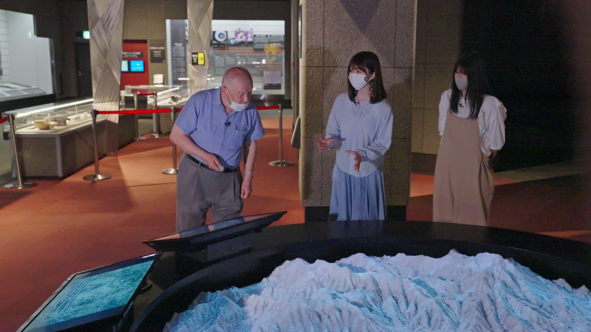 池田さんに長崎原爆資料館で被爆体験を伺う