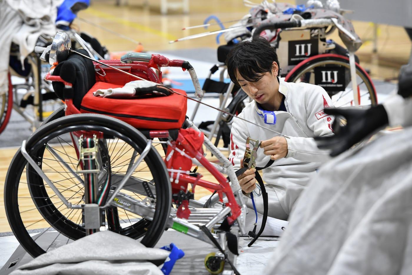 車いすフェンシングの加納慎太郎選手