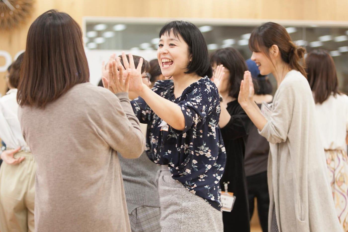 ボッチャを楽しむ女子部JAPANの部員たち
