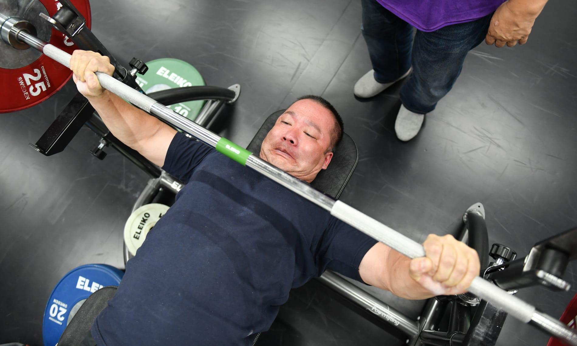 パラ・パワーリフティングの樋口健太郎選手