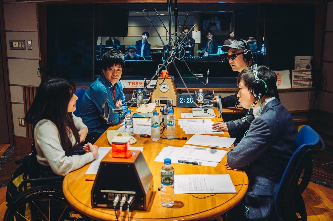 ラジオ番組の収録風景