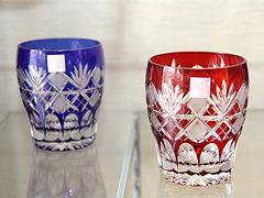 伝統工芸品「江戸切子」、美しい和ガラスの世界