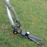 傾斜地でも刈れる 折り曲げ式アルミハンドル草刈鋏