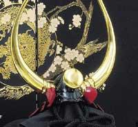 【五月人形】ホントにそれで戦ってたの!? 個性的過ぎる戦国武将の本格的兜、鎧飾り