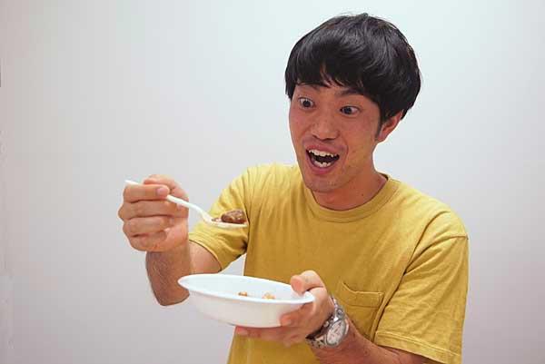 ジュピター石田が葡萄カレーを試食