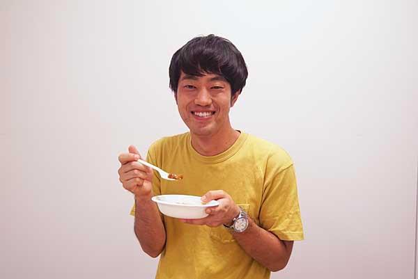 ジュピター石田がメロンカレーを試食
