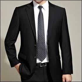 ウォッシャブルやツーボトム、お手頃スーツがずらり