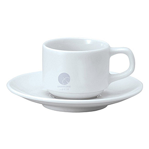 磁器のコーヒーカップ