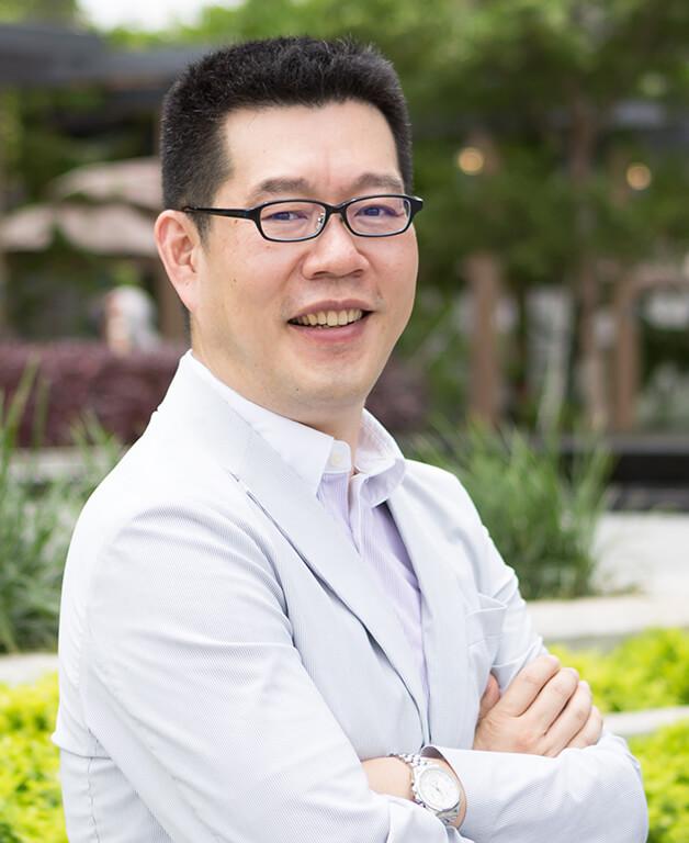 Shirakawa Kennichi - General Manager