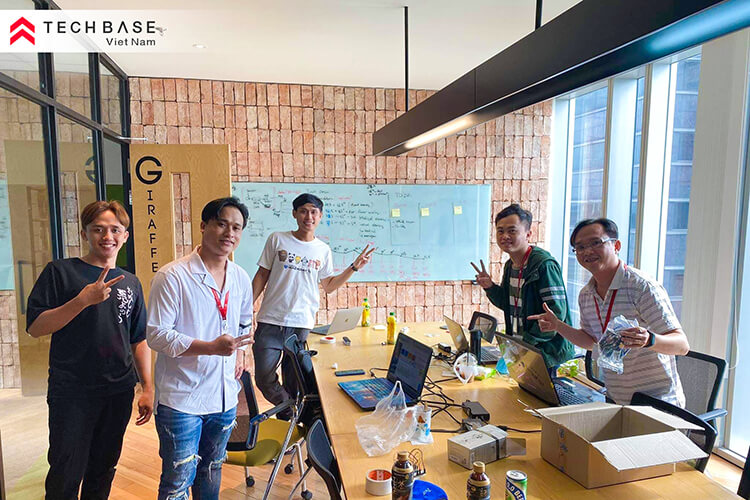Sharing Experience: Yahoo! JAPAN Internal Hack Day at Techbase Vietnam