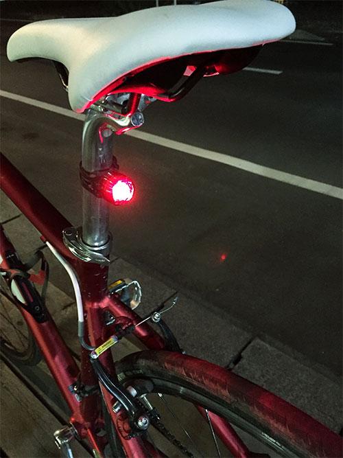 自発光式テールライト装着イメージ