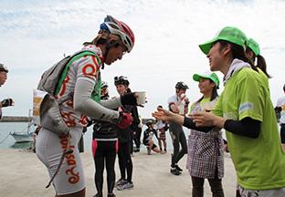 ツール・ド・東北2015:ボランティアクルーの写真