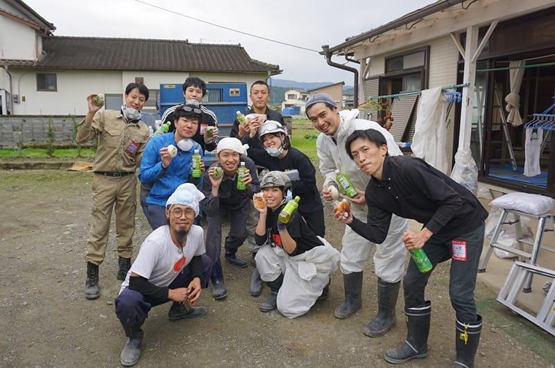 豪雨災害に遭った熊本県人吉市での支援ボランティアの写真