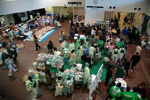東日本大震災:石巻市赤十字病院