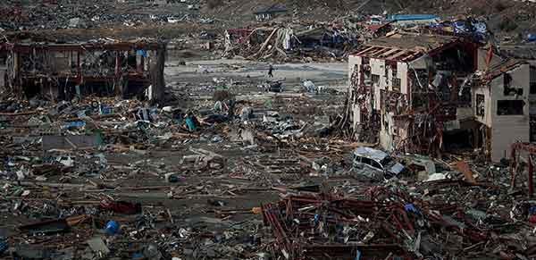 東日本大震災:壊滅的被害 南三陸町