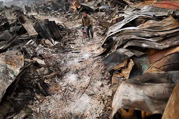 東日本大震災:壊滅的被害 大槌町