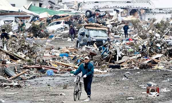 東日本大震災:仙台市 被害甚大