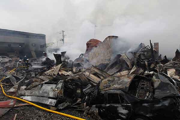 東日本大震災:壊滅的被害 気仙沼市